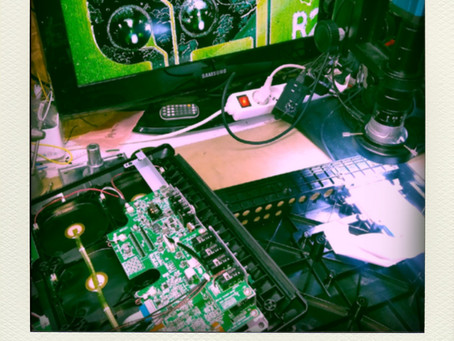SPDX sous l'oeil du microscope