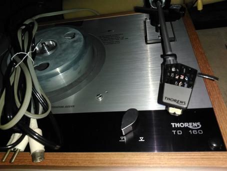 THORENS TD 160, changement des cordon secteur et phono
