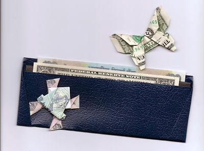 Laura Kruskal origami wallet
