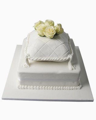 Cushion Wedding Cake WC7885.jpg