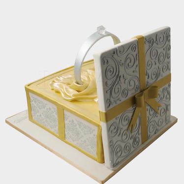 Engagement Cake WC1288.JPG