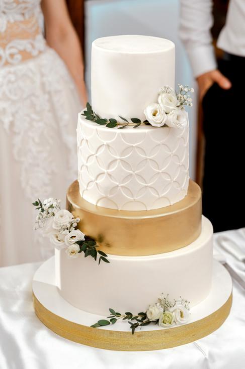 White & Gold Wedding Cake  WC202110