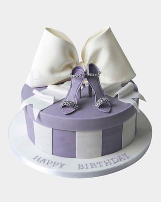 Dainty Lilac Shoe Cake HG1212.jpg