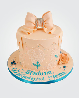 Diamante Bow Cake CL6207