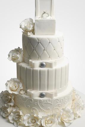 Engagement Cake WC8641_edited.jpg