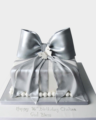 Silver Bow Cake ST5627