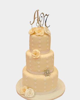 Crystal Ivory Wedding Cake WC9003.j