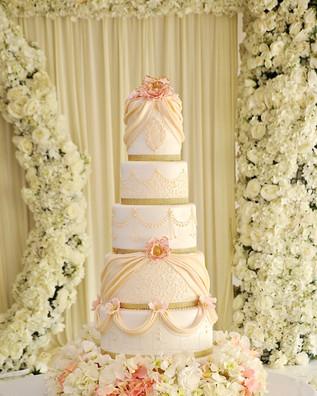 Blush Wedding Cake WC5566.jpg