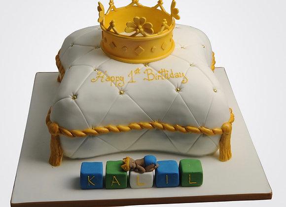 Crown & Cushion Cake CB7317
