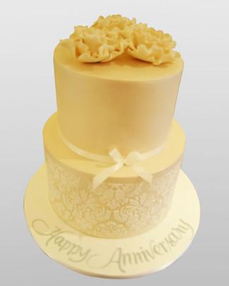 Ivory Dmask Anniversary Cake WC1557.jpg