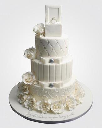 Engagement Cake WC8641.jpg
