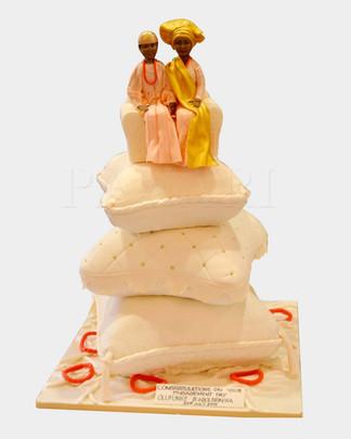 Cushion Wedding Cake AFC2885.jpg