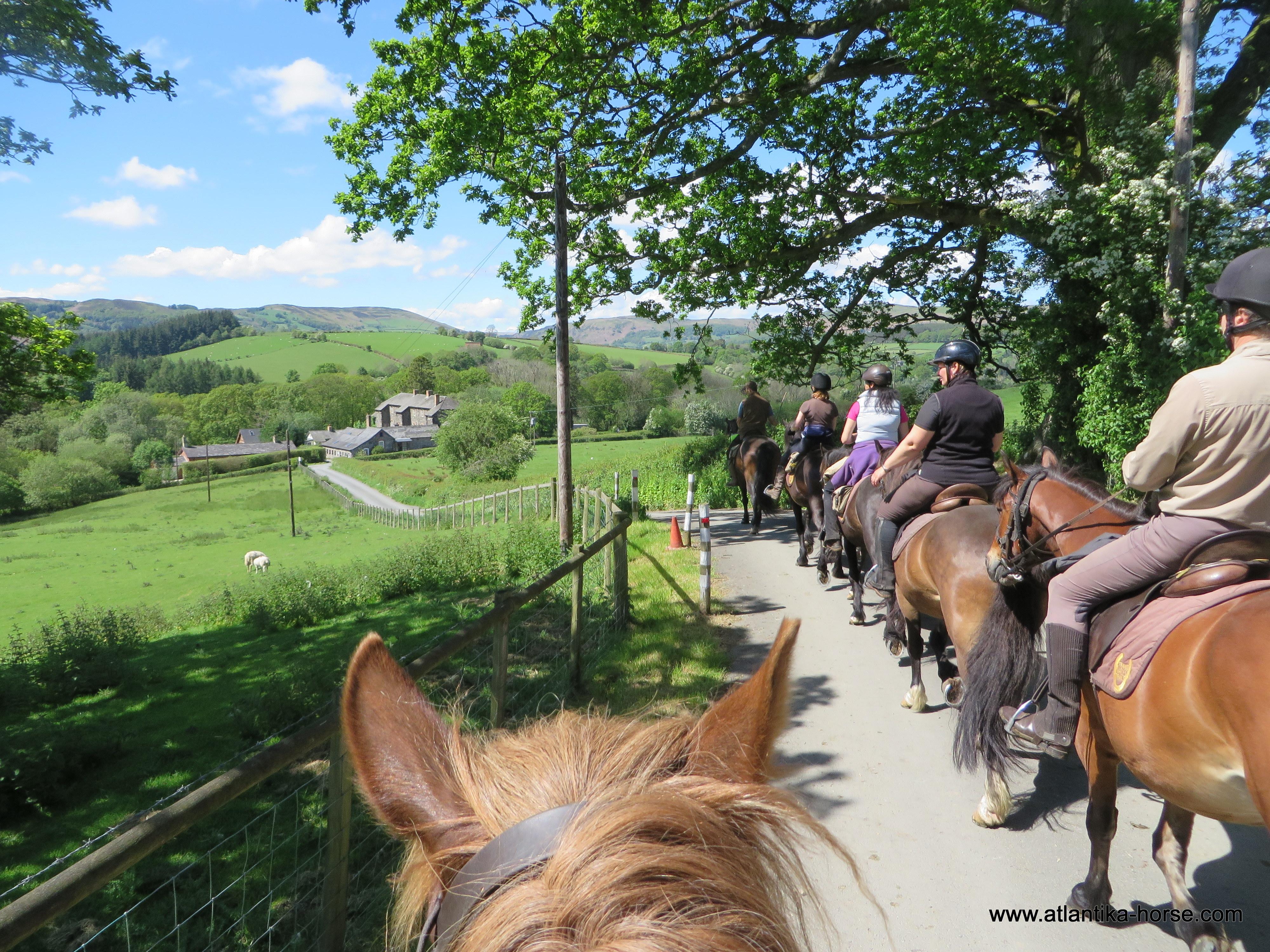 Конные туры в Великобритании. Уэльс