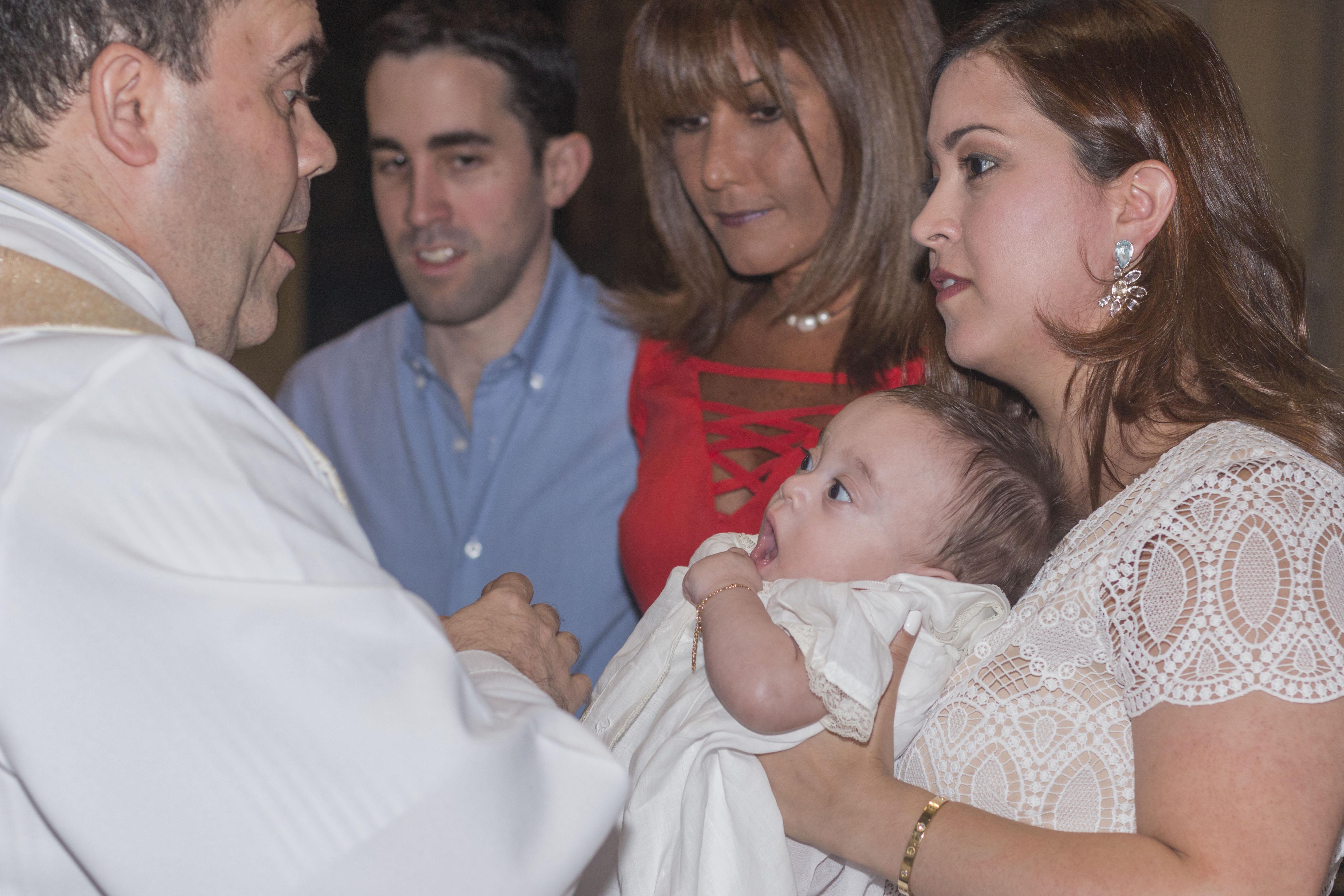 Bautizo de Daniel, Bebe
