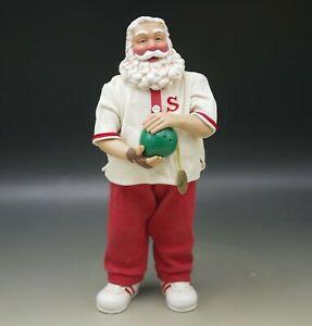Santa Strikes Again (Clothtique)