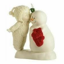 Snowbabies Meet Me Under the Mistletoe