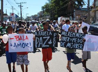 """Manifesto """"Deixem as favelas em paz!"""""""