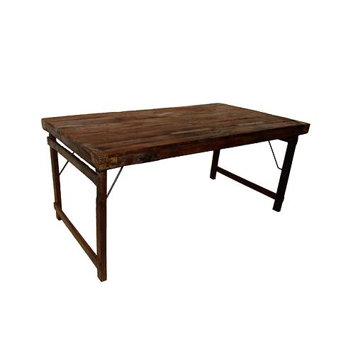 Table à dîner en bois recyclé