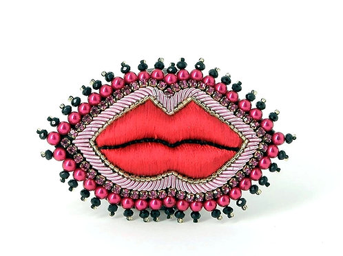 Broche Bouche rouge M