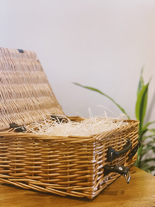 luxury sustainable hamper + wrapping