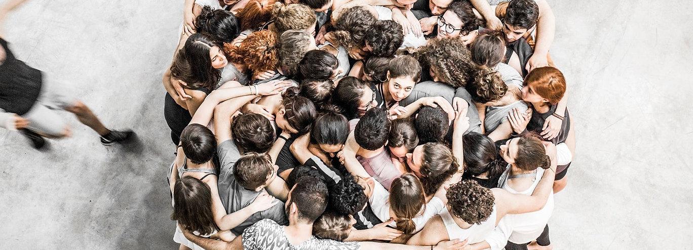 hug massive workshop taller teatro