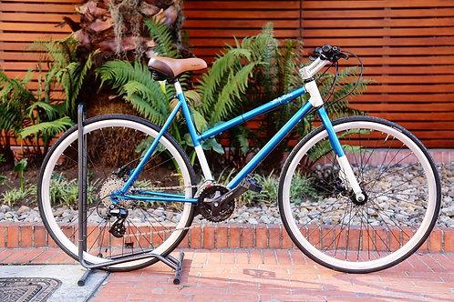 Bicicleta tipo fixed con grupo Altus
