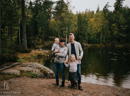 Familiefotografering ved tjernet