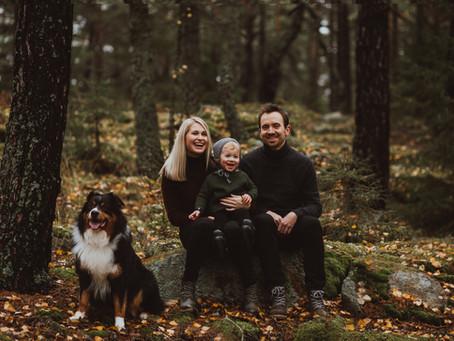 Familiefotografering i skogen