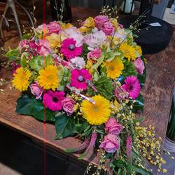 Coeur en fleurs, strass et paillettes