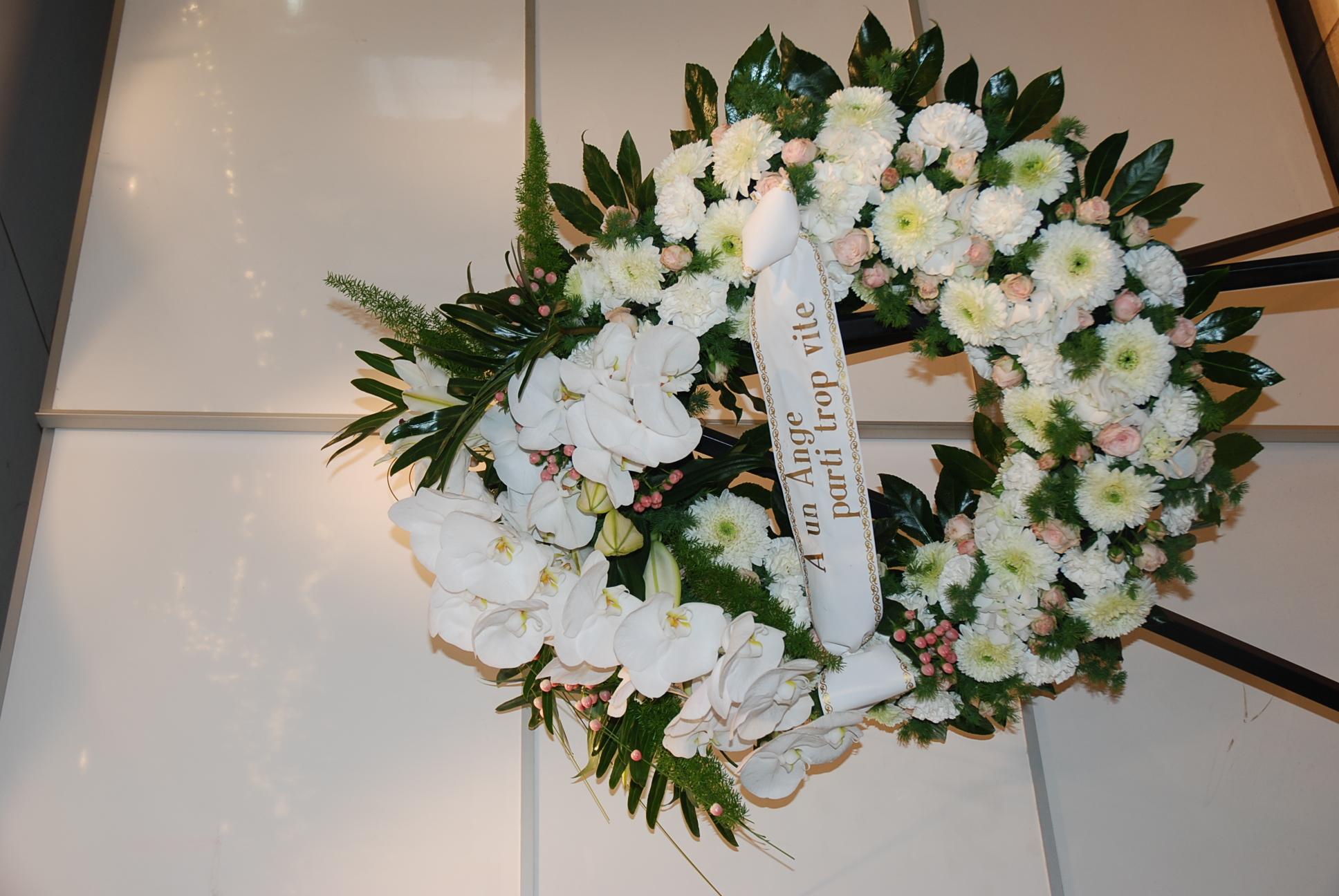Couronne mortuaire avec Phaleanopsis