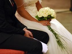 Bouquet de mariée en roses blanches