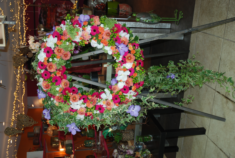 Couronne de fleurs, pour un décès avec u