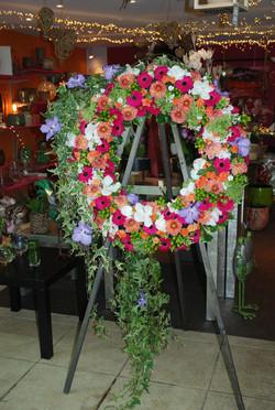 Couronne de fleurs, pour un décès