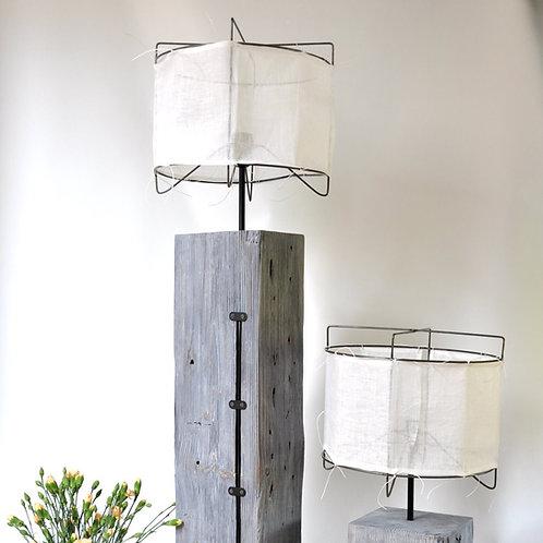 Lampa z 90-letniej belki - podłogowa