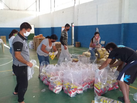Instituto Bempescado continua distribuindo alimentos alimentos para comunidades de pescadores