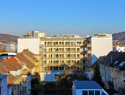 Foto_Gebäudeansicht_vom_Hof_bearb.