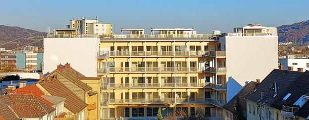 Foto_Gebäudeansicht_vom_Hof_bearb..jpg