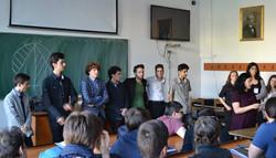 chitaristii liceului si membrii comisiei stiintifice.jpg