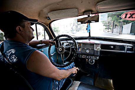 Chauffeur de taxi, Cienfuegos, Cuba