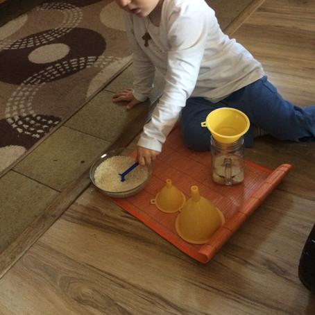 Igre za decu uzrasta 1-2 godine, razvoj logičkog mišljenja, grafomotorike i estetike