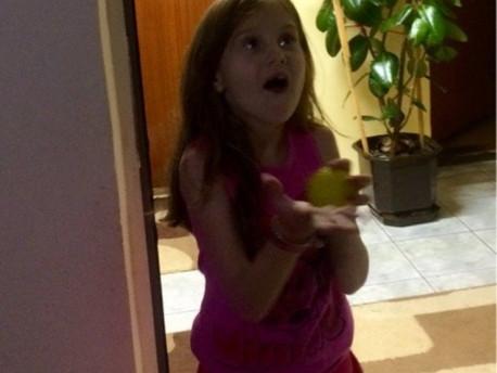 Žongliranje za decu, lopta je najbolja dečja igračka