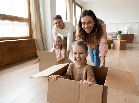 Kako roditelji mogu da utiču na rani razvoj dece? Igračke bez telefona