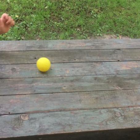 Kotrljanje loptice do cilja, igra
