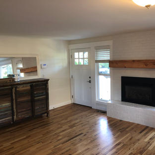 Entryway/Fireplace