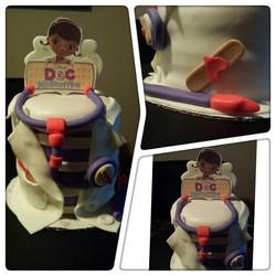 Doc McStuffins mini Cake.jpg