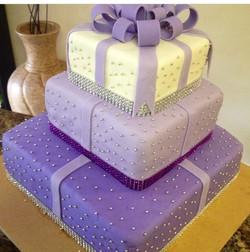 Sweet 16 Gift box cake