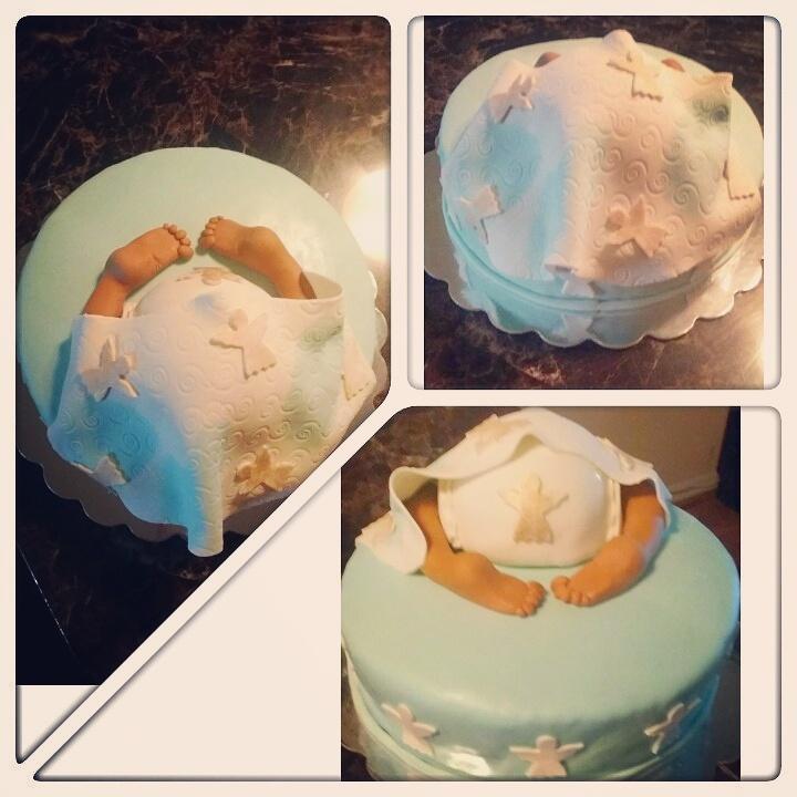 Baby bump cake