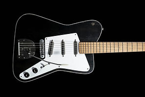 guitar-galo-20191015-1-684x1024_edited.j