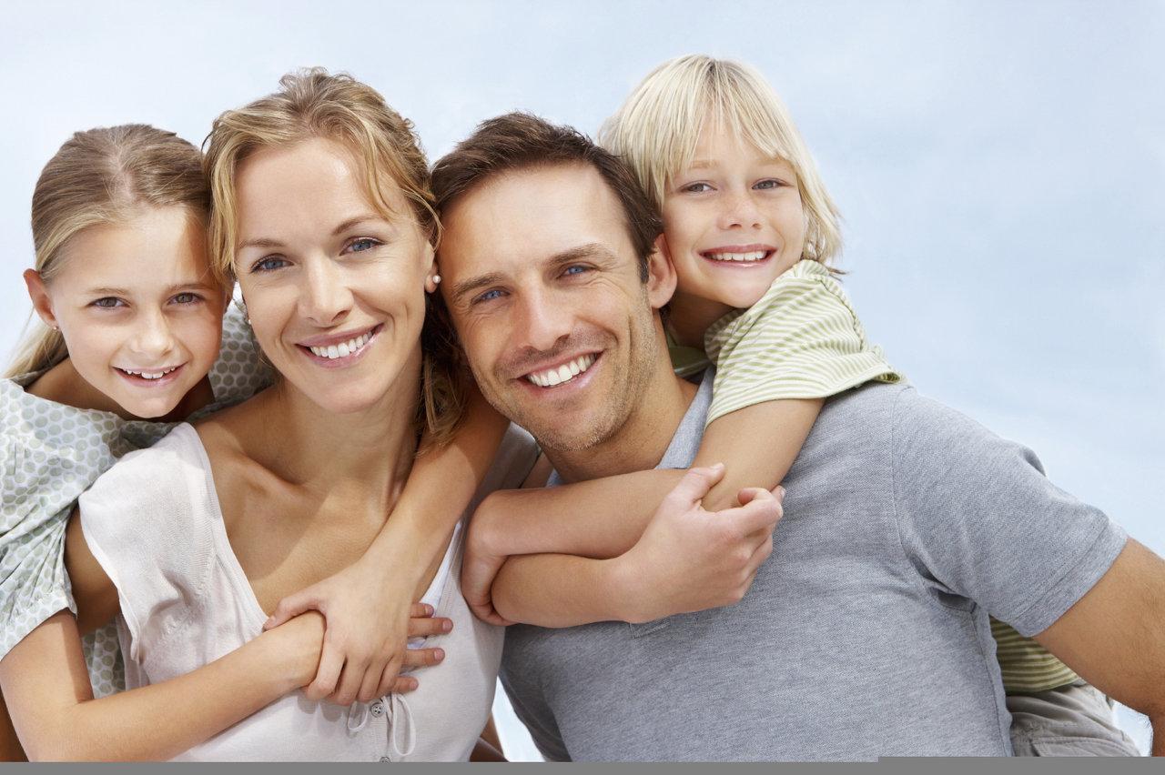 istock-happy-family