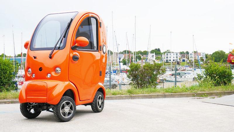 Cabin-Car-Mk2-Plus-Flame-Orange-Front-10